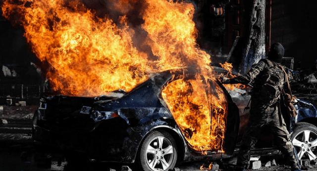 berita kecelakaan mobil terbakar hari ini