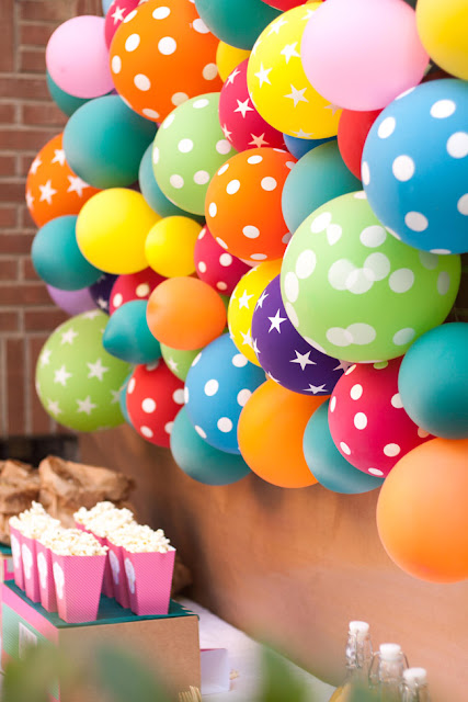 Pared decorada con globos