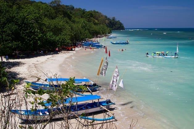 pangandaran beach located