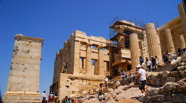 Visitação ao Propileu, Atenas