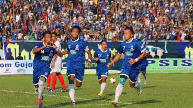 PSIS Semarang vs PS Tira