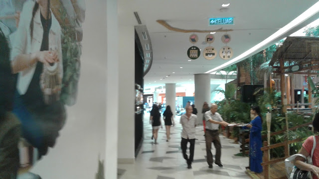 Starling Mall - The Shopping Mall Within A Park