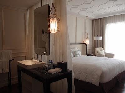 Hôtel des Arts Saigon Deluxe Room