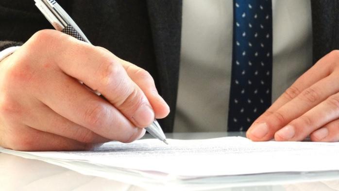 اهم 10 خصائص ومميزات في رجل القانون المحترف