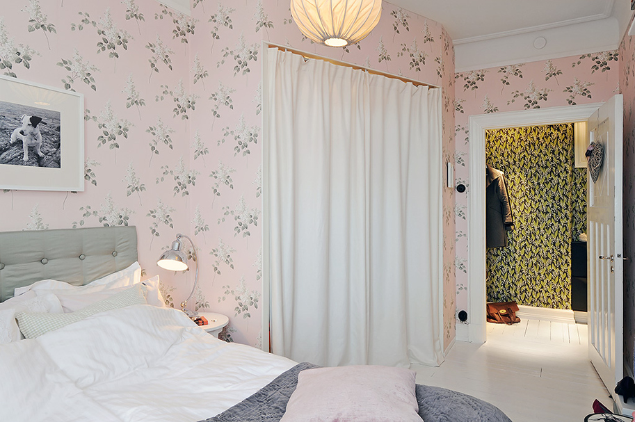 Perhaps Not Everyone S Cup Of Tea But Personally I Love The Pale Pink And Green Colour Combination Have A Bit Weakness For Wallpaper