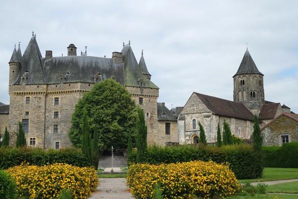 dordogne jumilhac église château jardins