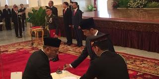 Presiden Jokowi Lantik 5 Dubes di Istana Negara