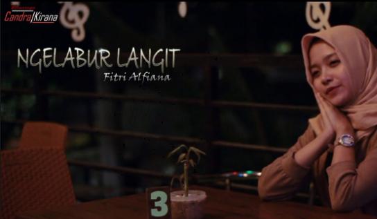 Fitri Alfiana, Candra Kirana, Dangdut, Dangdut Akustik, Download Lagu Fitri Alfiana - Ngelabur Langit Mp3 (Dangdut Slow 2018)