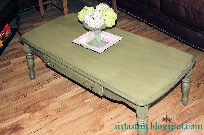 Sistas procrastinate in Style: Shabby Chic Coffee Table