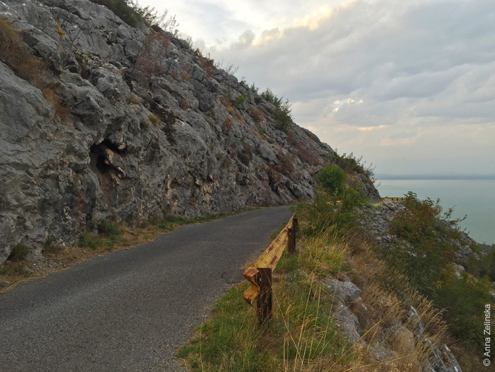 Дорога над Скадарским озером, Черногория