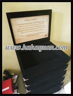 Kotak Souvenir