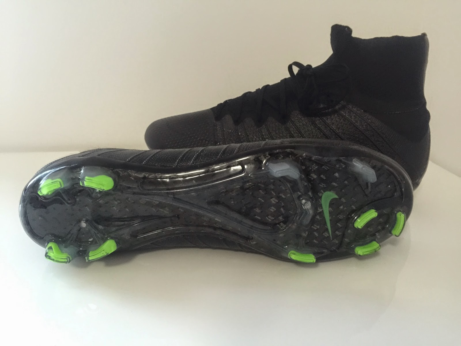9f7f7c03d With the upper of the neck blackout Nike Mercurial Superfly Boots  completely drenched in black color