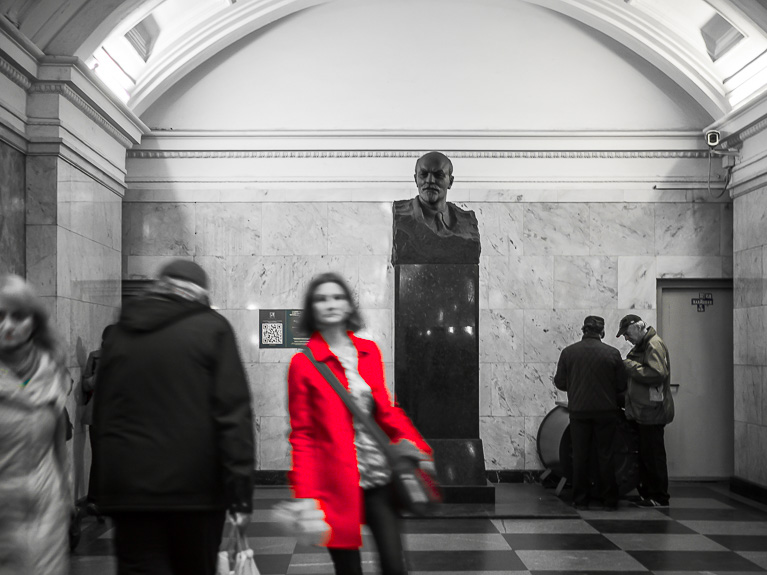Памятник В. И. Ленину на станции метро Белорусская в Московском метрополитене