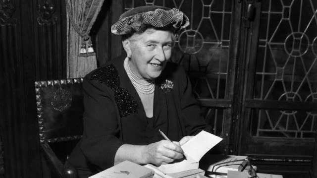 Cerdas dan Berbakat, Ini 8 Penulis Wanita Paling