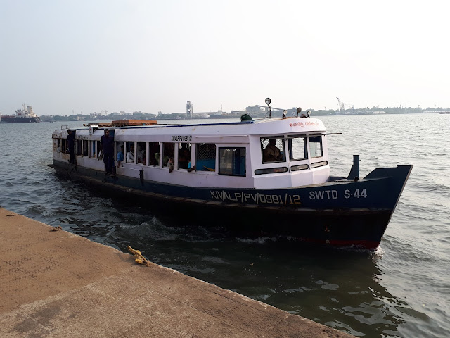 Ferry à Ernakulam
