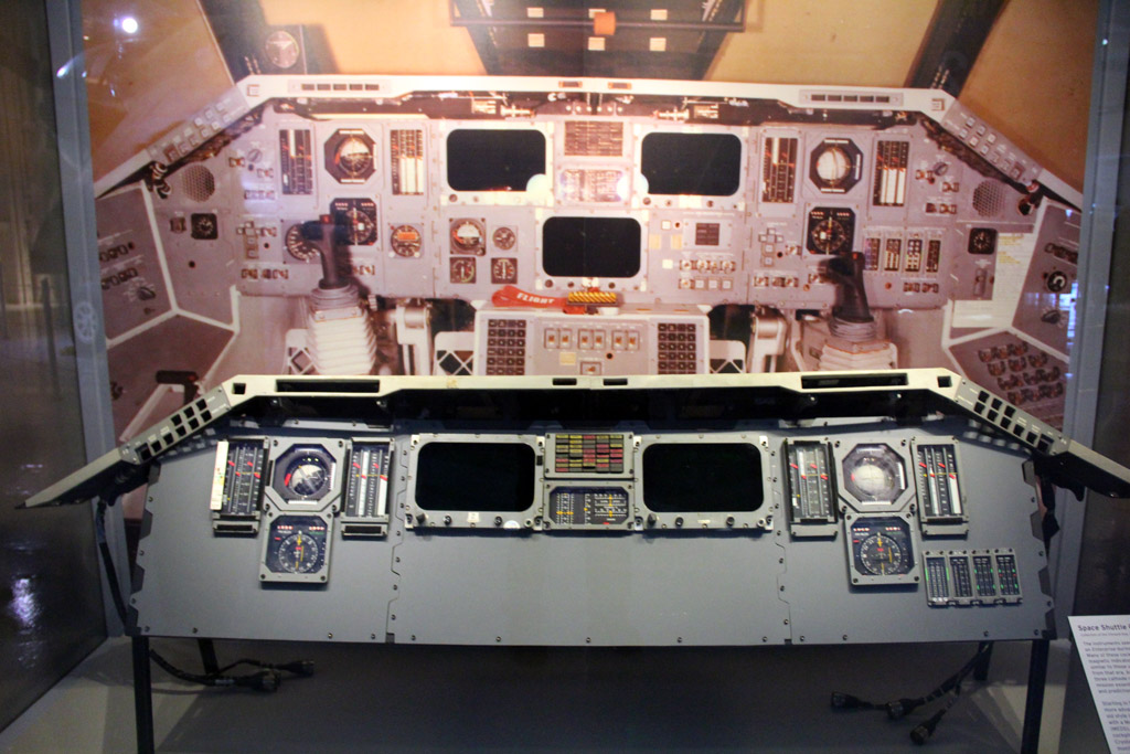 space shuttle enterprise cockpit - photo #2