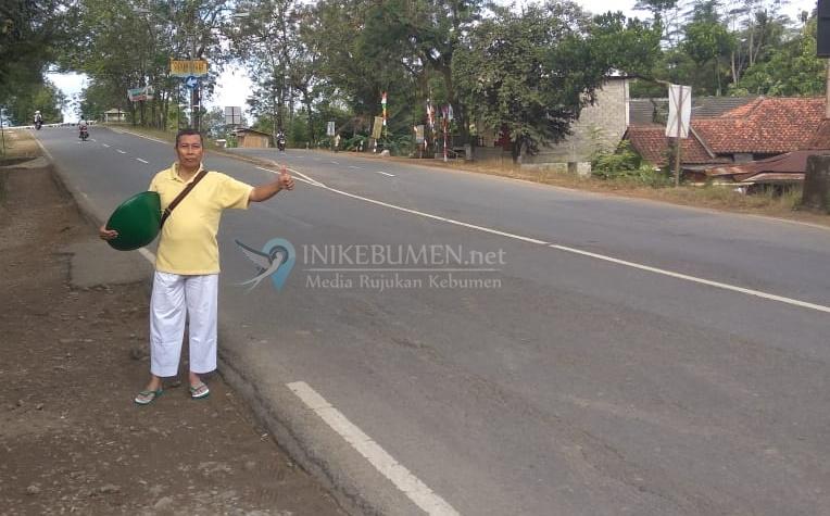 Berhenti dari PNS, Camat ini Pilih Pulang dari Kantornya Jalan Kaki 21 Kilometer