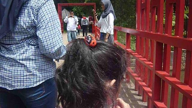 jembatan di teras cikapundung kota bandung jawa barat indonesia