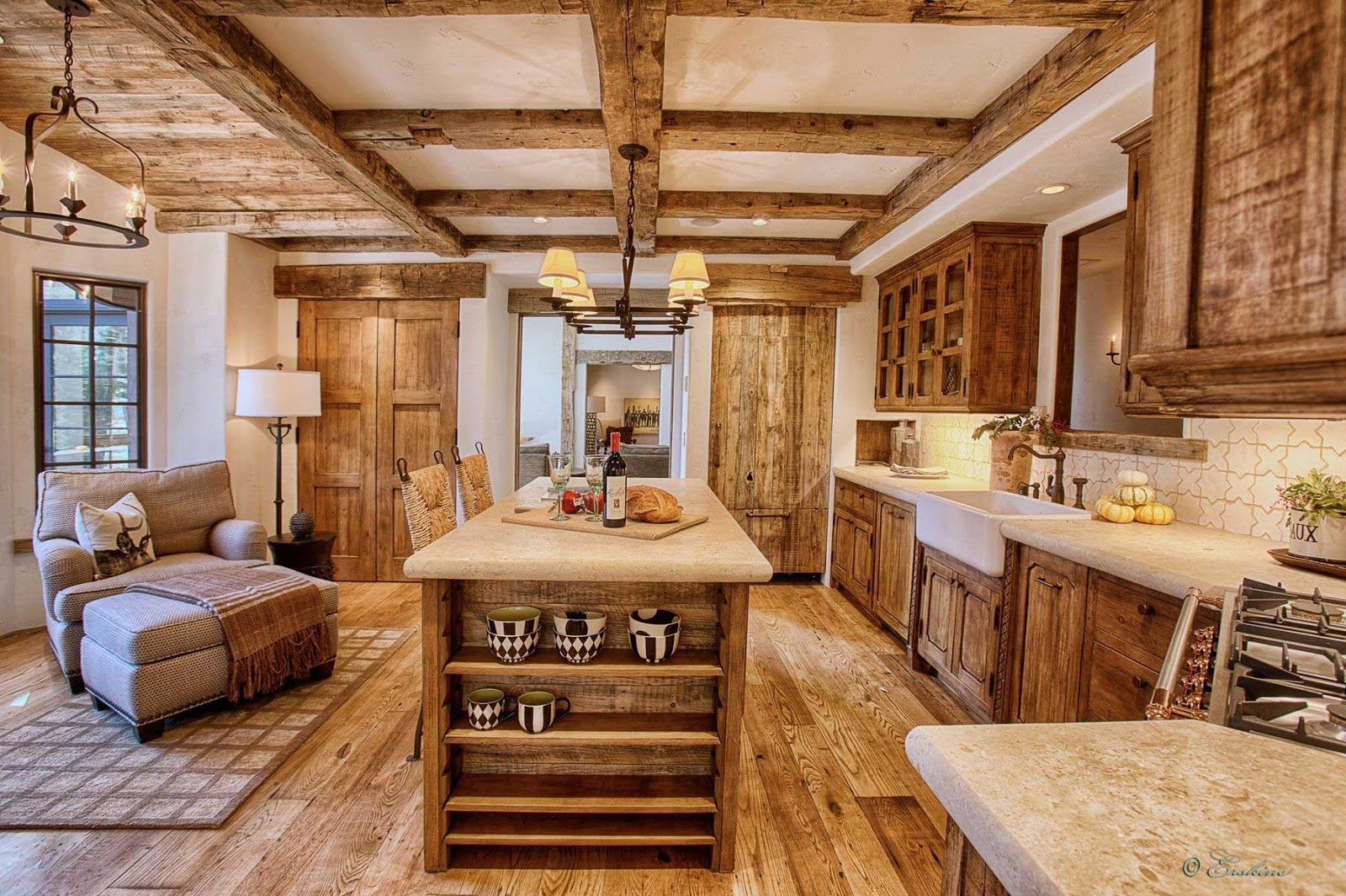 Advantages of using custom made cabinets