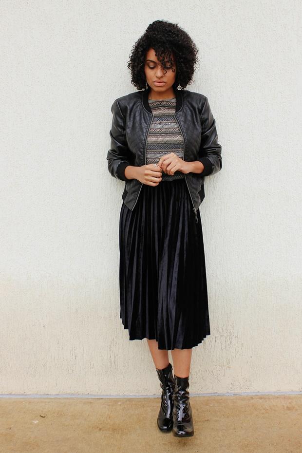 Como usar Saia midi plissada com top cropped, como usar saia plissada com jaqueta
