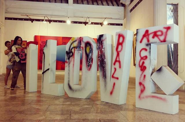 foto karya seni di arma art museum ubud