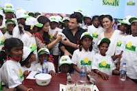 Shriya Saran and Meenakshi Dixit Pos at Quaker Feed A Child Campaign  0039.jpg