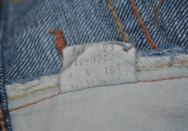 Levis 517 internal care instruction tag, manufactured in Aug 1975