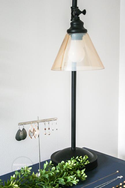 Dresser light