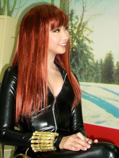 alodia gosiengfiao in black widow suit 02