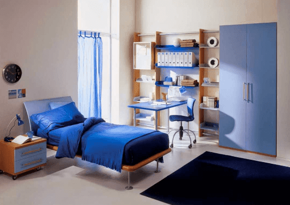 kamar tidur anak laki laki sederhana