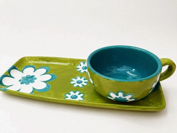 https://www.etsy.com/listing/158590746/sale-flower-power-luncheon-set-snack?ref=favs_view_6