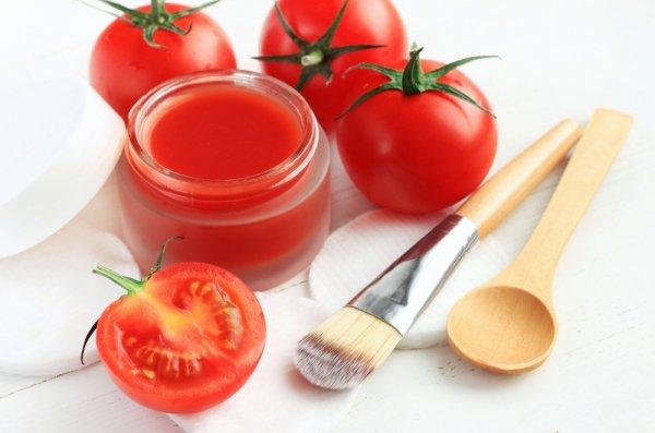 Ulasan Lengkap Cara Membuat Masker Tomat & Khasiatnya Bagi Kecantikan