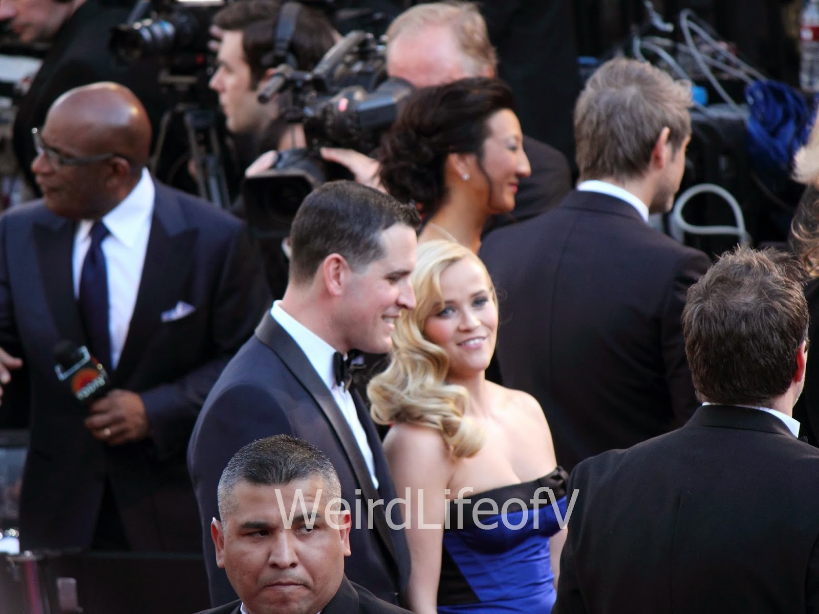 Reese Witherspoon on the red carpet for the 2013 Academy Awards