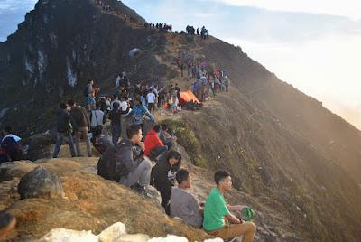 Wisata gunung sibanyak