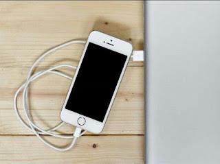 5 Tips Mempercepat Waktu Pengisian Daya Baterai iPhone