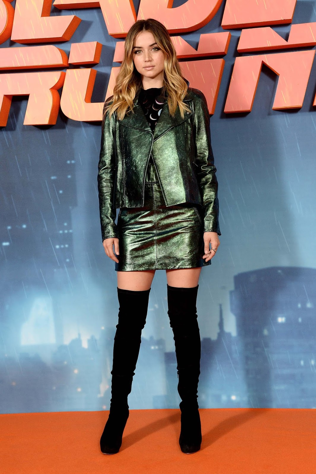 Lovely Ladies in Leather: Ana de Armas in a leather suit