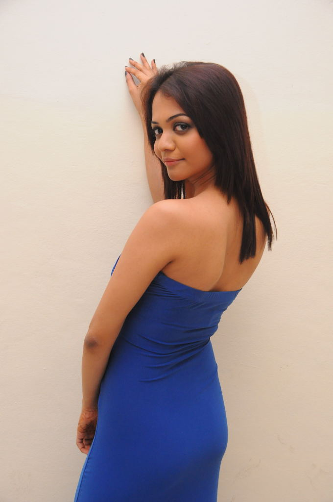 Henna chopra hot photos at music magic audio release