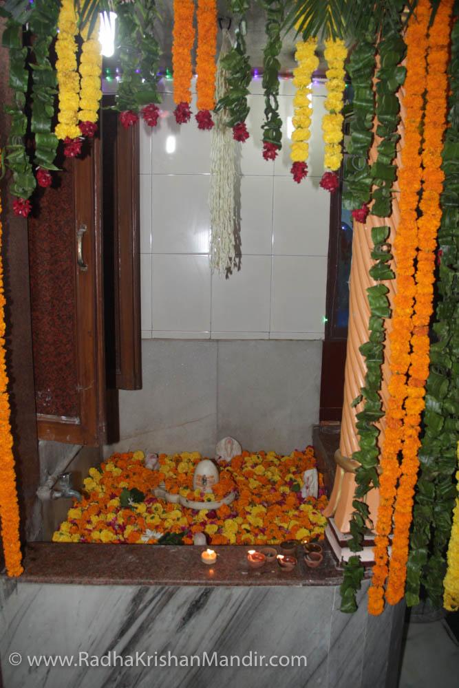 hindu god krishna mandir