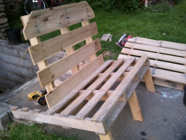 Related%2BDiy%2BHomemade%2BPallet%2BLounge%2BChair%2BProjects%2BPhoto%2B15%2BAmazing%2BDiy%2BOutdoor%2BFurniture%2BIdeas%2BPerf%2B%25284%2529 15 Perfect Weekend Projects DIY Outdoor Pallet Furniture Ideas Interior