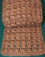 http://translate.googleusercontent.com/translate_c?depth=1&hl=es&rurl=translate.google.es&sl=en&tl=es&u=http://cobblerscabin.wordpress.com/happy-hookin/miomi-scarf-free-crochet-pattern/&usg=ALkJrhhZm-NbD9JpTardd75Z5nSDja-DuA