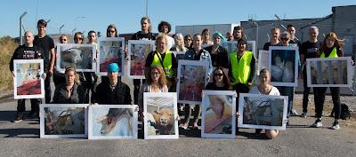 Tomma burar aktivister utanför slakteri Linköping - Rörelse för djurrätt