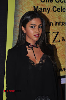 Actress Amala Paul Stills in Black Dress at South Scope Lifestyle Awards 2016 Red Carpet  0007.JPG