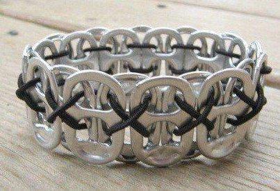 Bracelete feito de lacres latinhas