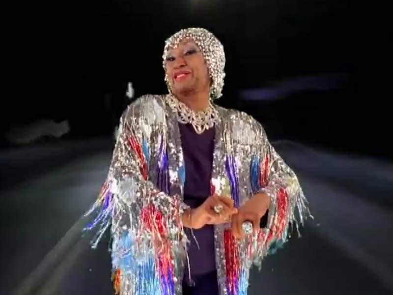 Celia Cruz - ¨La Negra tiene tumbao¨ - Videoclip - Dirección: Ernesto Fundora. Portal Del Vídeo Clip Cubano - 06