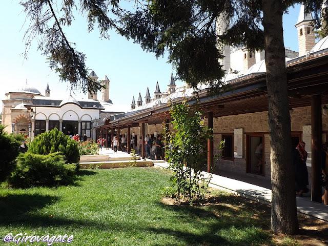 Konya dervisci rotanti Mevlana