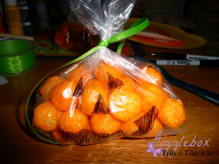 Halloween party treat idea with cheese balls, pumpkin cheese balls treat bags, Halloween, Halloween party treat idea,