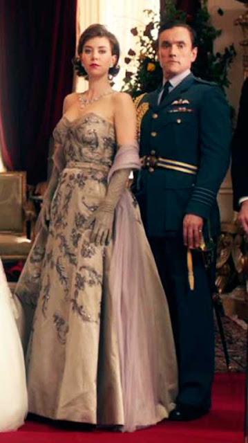 Margaret (Vanessa Kirby) vestido The Crown