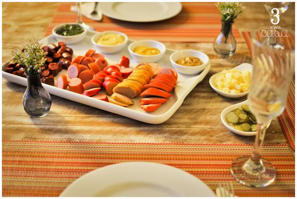 aperitivos salsicha e mostarda