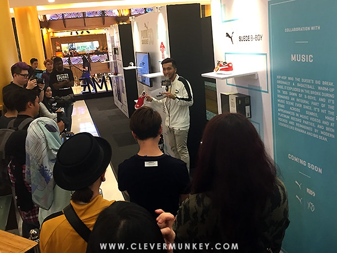 f2f2666c1750 The emcee of the event introduced the House of Legends exhibition walls to  the guest and members of the media