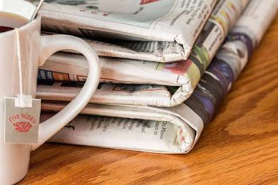 Contoh media pers adalah koran